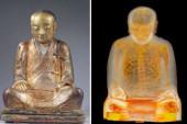 ¡Insólito! Hallan una momia de cien años oculta en una estatua de Buda