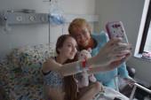 """Bachelet visita a niña que le pidió """"dormirla para siempre"""""""