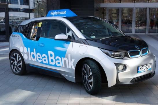 Banco Polaco Transforma un BMW I3 en cajero automático móvil