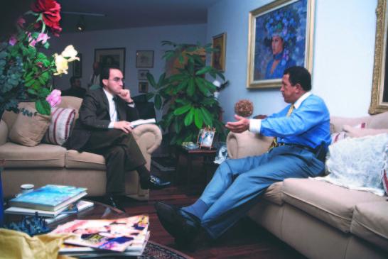 Hugo Chávez, un militar golpista haciendo política