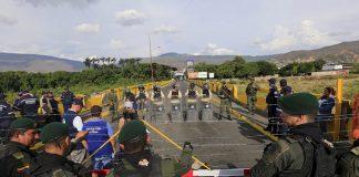 Ordenan acuartelamiento de tropas colombianas en frontera
