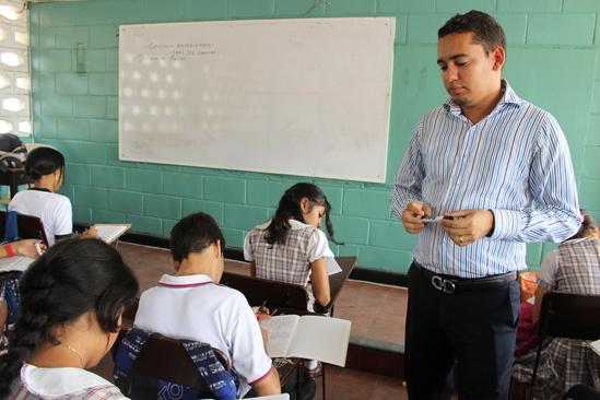 Después de 17 meses, las escuelas vuelven a abrir para las clases